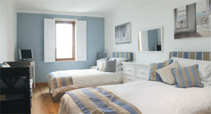 Self catering apartment in falmouth cornwall penthouse for New england style bed