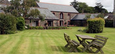 Bucklawren Farm - Self catering