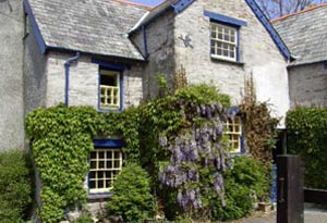 Culloden Farmhouse - Bed & Breakfast + Self Catering