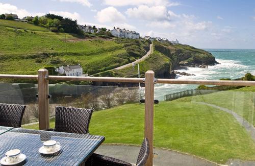 Green Door Cottages     Port Gaverne     Self Catering