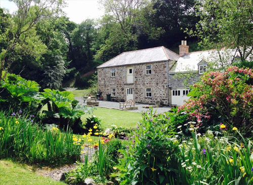 Hallowarren Barn - Self catering Bed & Breakfast