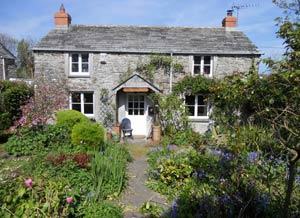 Harlyn Cottage     Harlyn Bay Nr Padstow     Self Catering