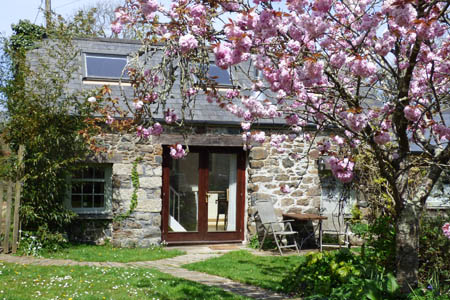 The Hen House - Bed & Breakfast + Self catering