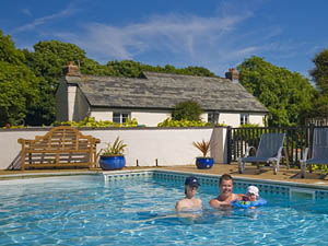 Hilton Farm Holiday Cottages - Self catering