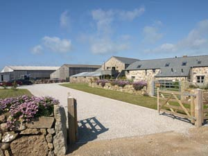 Lands End Hostel and B&B Accommodation - Self catering Bed & Breakfast