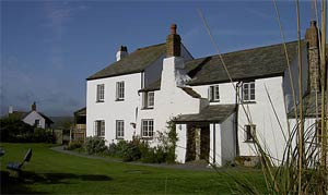 Lower Tresmorn Farm - Bed & Breakfast + Self Catering