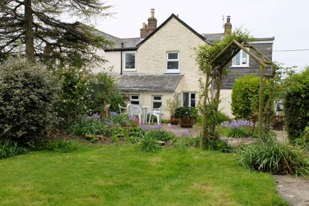 Maymear Cottage     St Tudy, nr Wadebridge     Self Catering