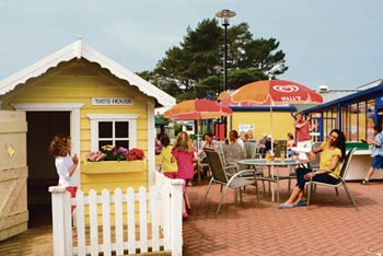 Looe Bay  Parkdean Holidays - Self Catering Static Caravan Holiday Park