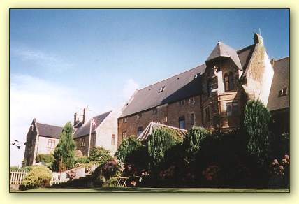 Peregrine Hall - Self Catering + Bed & Breakfast