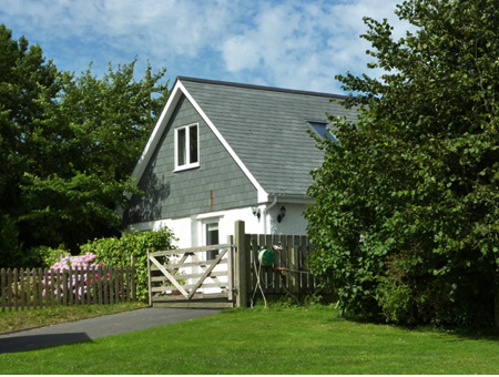 The Bolt Hole     Chapel Amble, nr Wadebridge     Self Catering