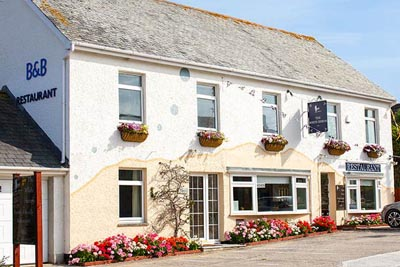 The White Heron Hotel - Bed & Breakfast + Hotel