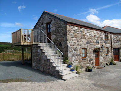 Tredinney Farm - Self Catering + Bed & Breakfast