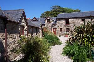 Tregathenan House and Cottages - Self Catering + Bed & Breakfast