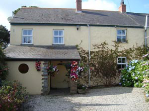 Treverbyn Cottage     Goonhavern, nr Perranporth     Self catering