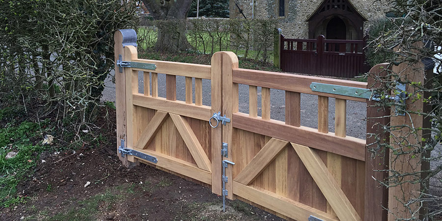 Wooden Gates Cornwall Wooden Driveway Gates @ Westcountry Wood